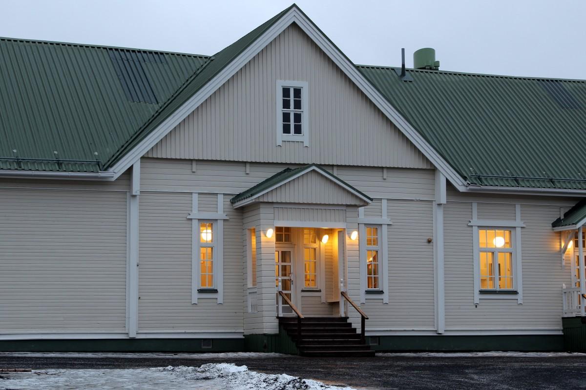 Images gratuites architecture bois maison sol for Architecture fenetre