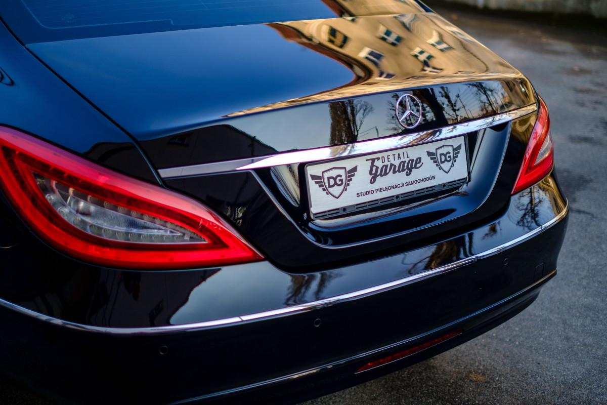 Free images wheel sign grille sports car bumper for Car exterior design