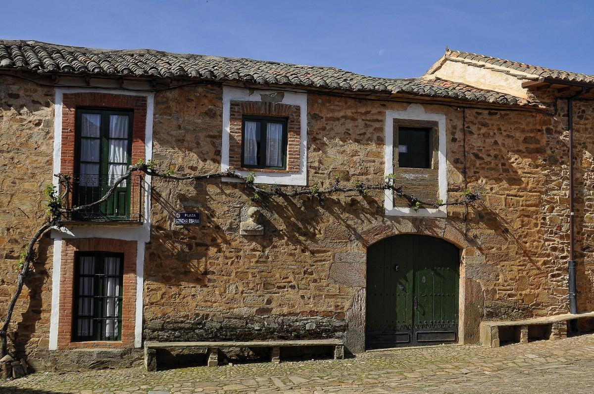 Fotos gratis madera villa ventana edificio pared - Bienes raices espana ...
