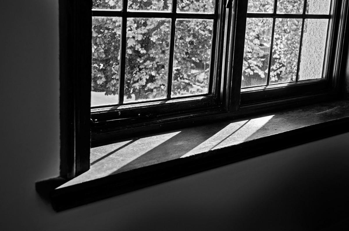 Images gratuites lumi re noir et blanc texture trou for La fenetre soleil saigon