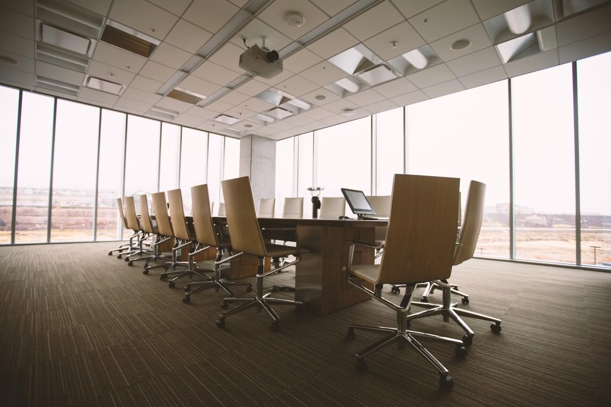 Fotos gratis mesa silla reuni n corporativo oficina - Empresa diseno de interiores ...