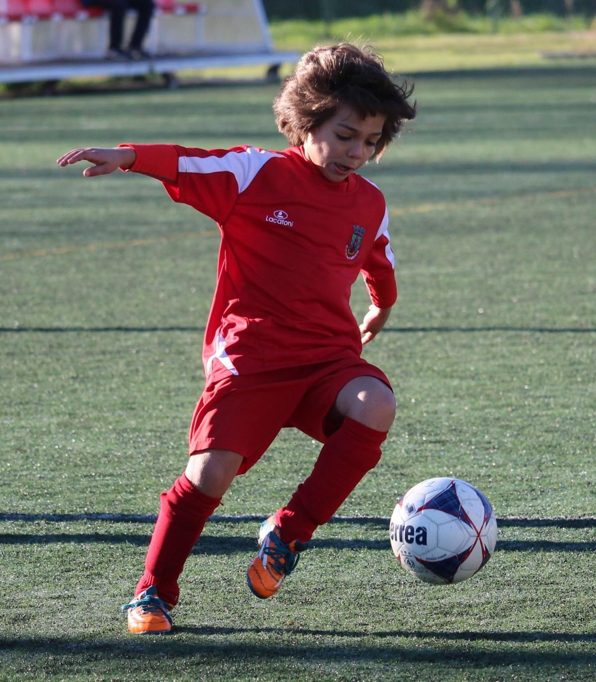 Ребенок и футбол фото