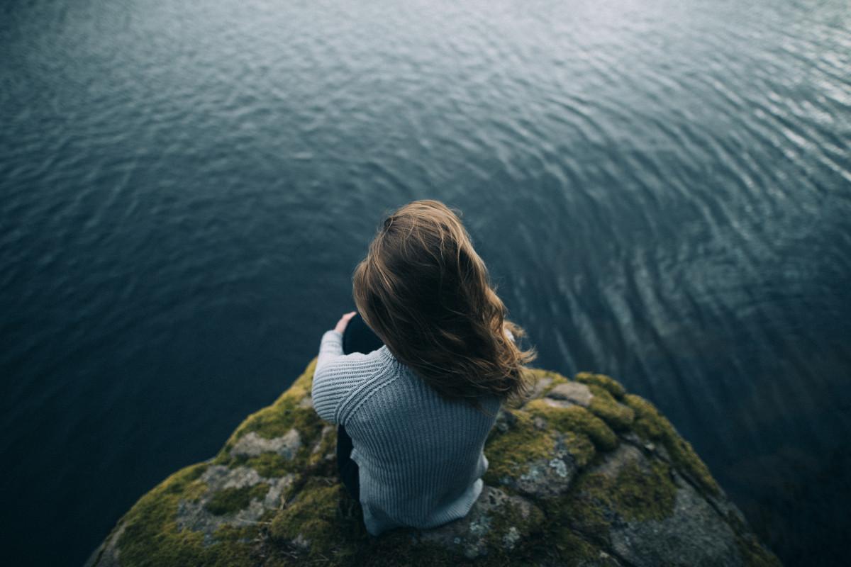 Открытку женщине, картинки грустные у моря