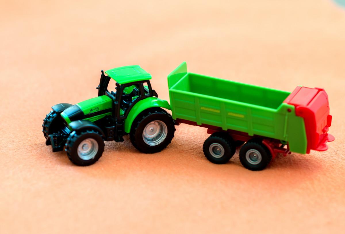 Images gratuites tracteur roue plastique v hicule - Modele lego gratuit ...