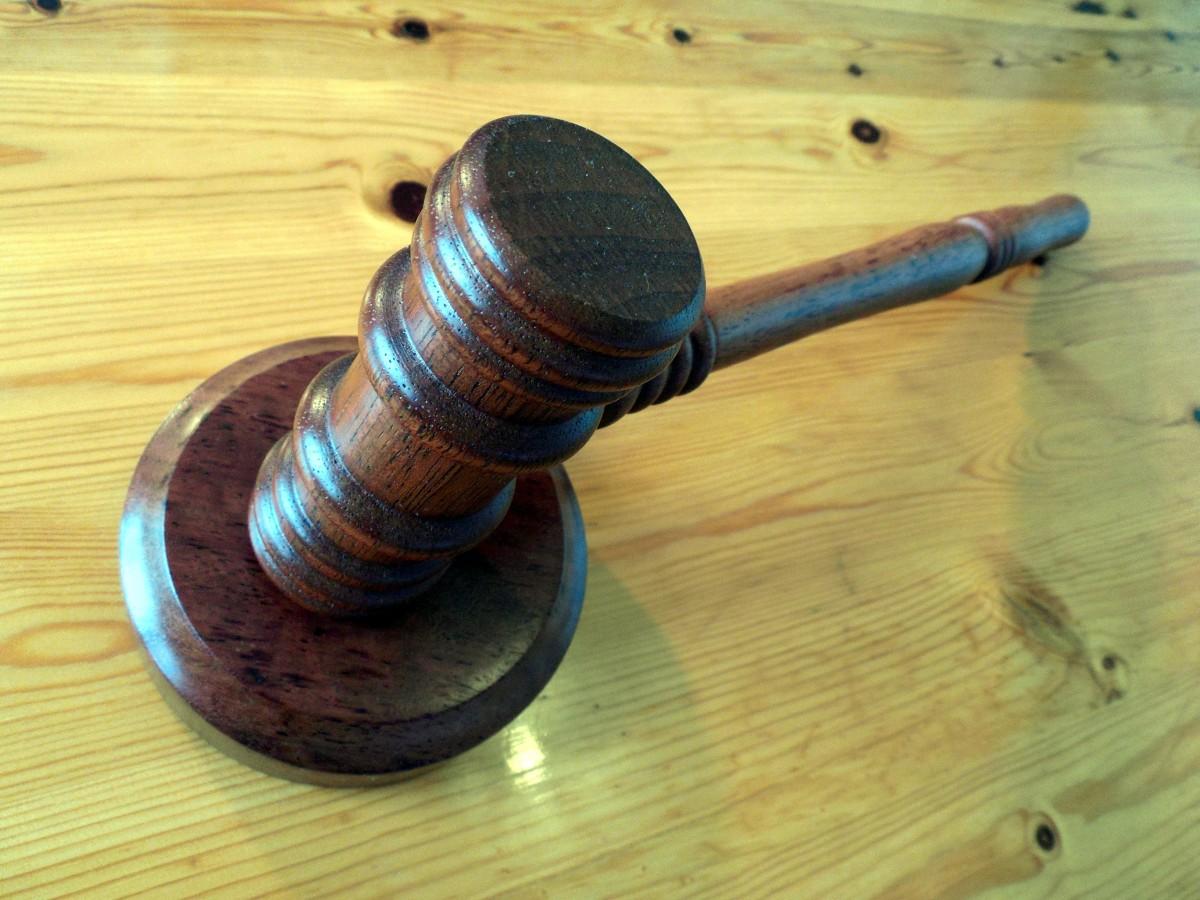 legna, chitarra, corno, martello, strumento musicale, giustizia, Tribunale, legge, destra, giudice, clausola, vendita all'asta, paragrafo, giurisprudenza, banditore, mandrino, strumento a corda, strumenti a pizzico, Immagini Belle In PxHere