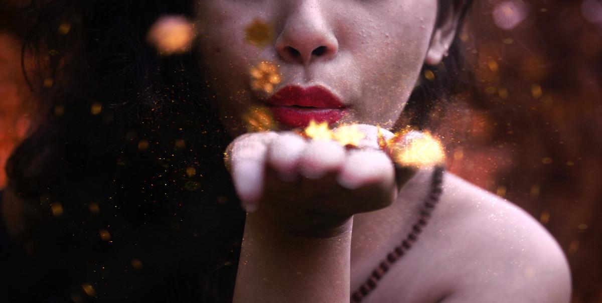 mujer flor color niño oscuridad polvo resplandecer de cerca nariz templo ojo cabeza belleza soplar labios rojos