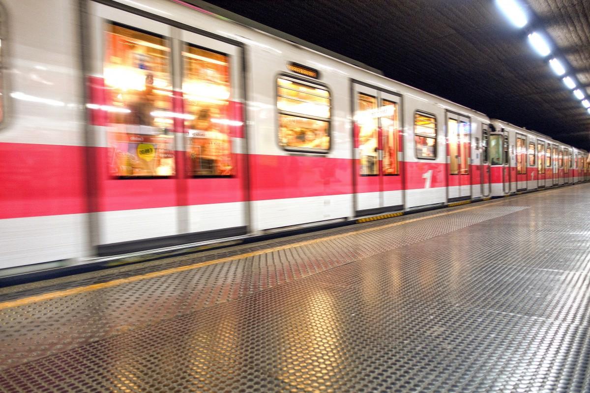 Fotos gratis movimiento italia transporte p blico for Diseno interiores gratis