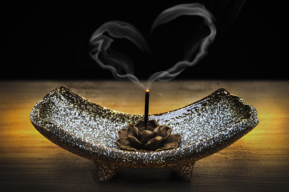 дым благовоний от энергии Краснодарского края Работа