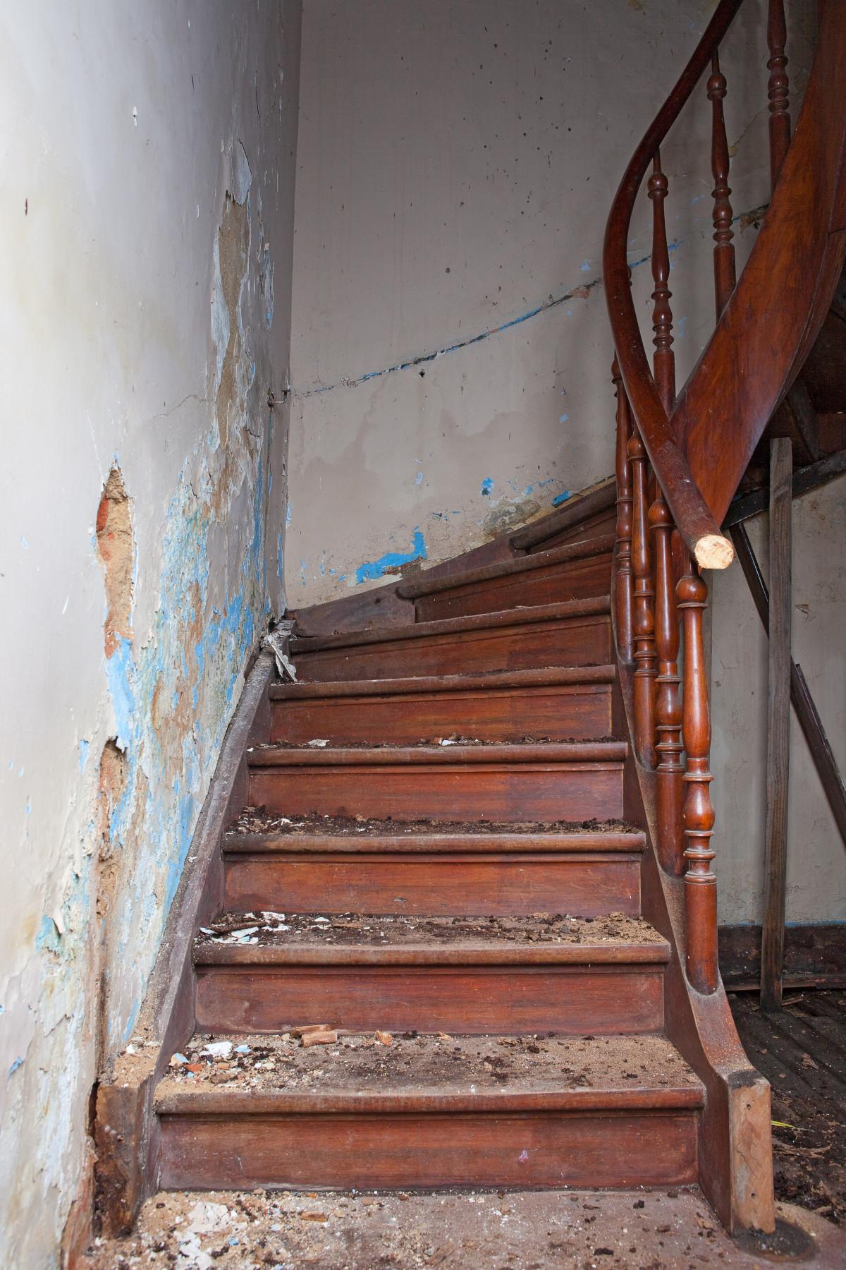 Spiksplinternieuw Gratis Afbeeldingen : hout, verdieping, muur, stappen, balk DB-72