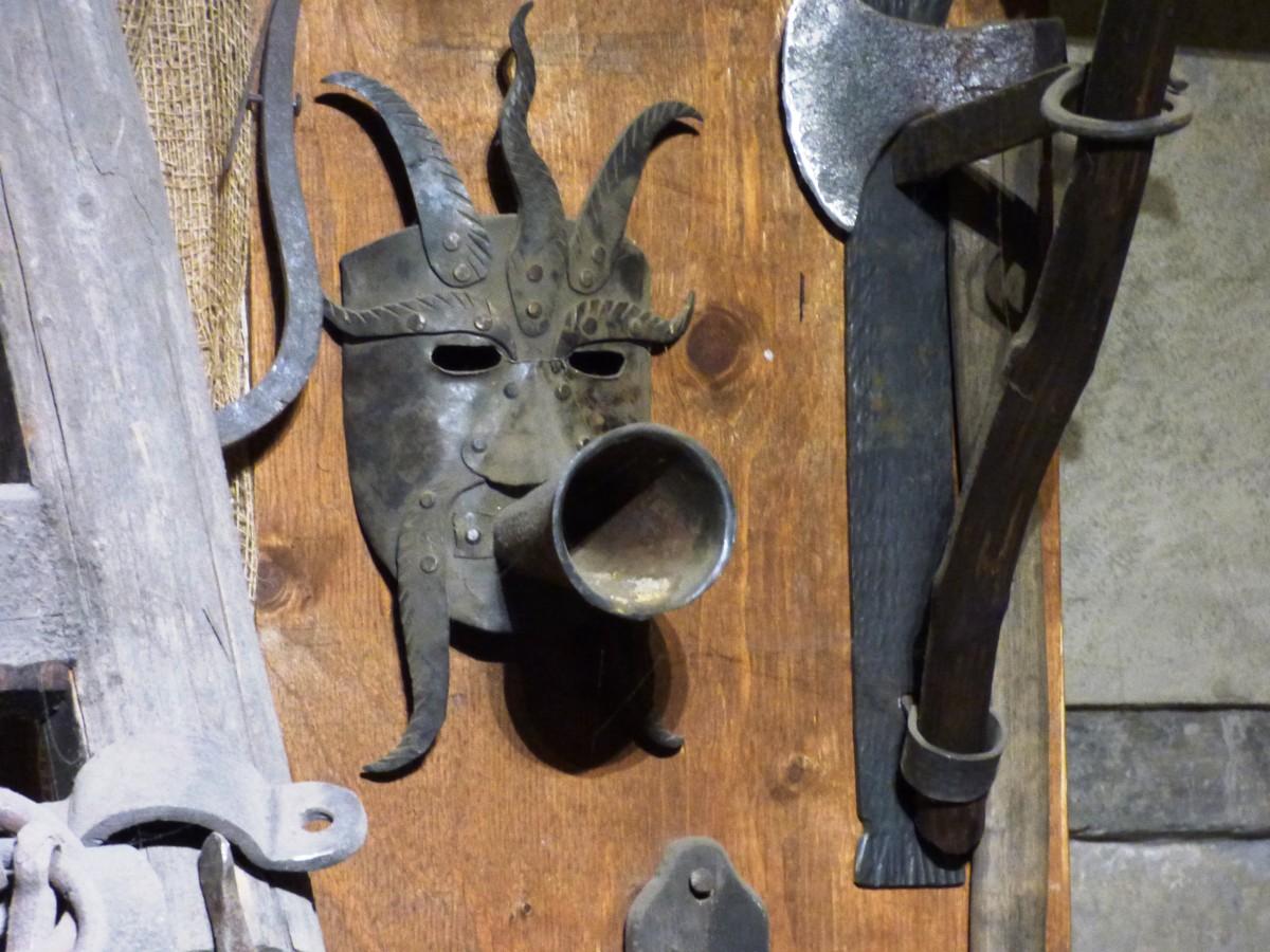 Free Images  Wood, Cottage, Castle, Rack, Furniture, Old -7609