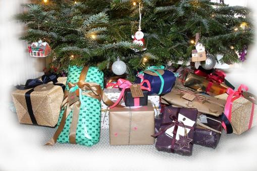 lahja, loma-, joulu, joulukuusi, joulukoristeita, lahjat