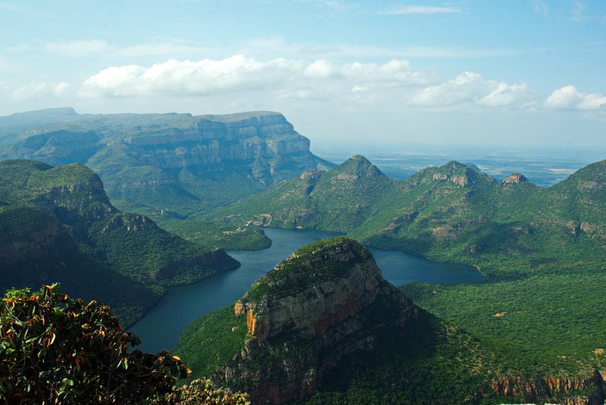 panorama mar costa natureza montanha Colina lago cadeia de montanhas penhasco terreno ravina platô África do Sul Forma de relevo fotografia aérea Drakensberg característica geográfica Formas de relevo montanhosas