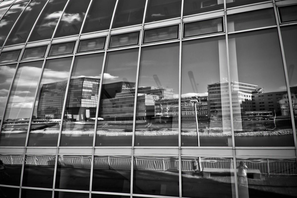 Images gratuites noir et blanc architecture maison for Architecture fenetre