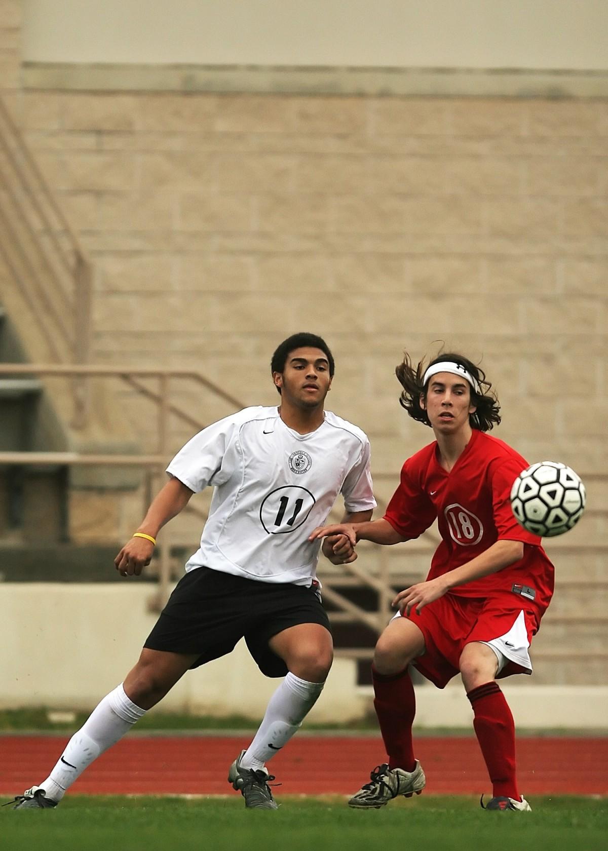 Gambar : Anak laki-laki, muda, pemuda, taman, sepak bola ...