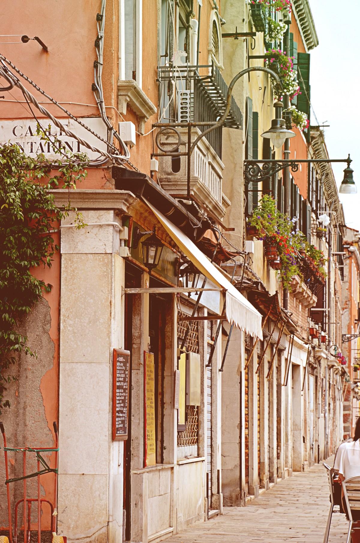 Italian mature taken in alley