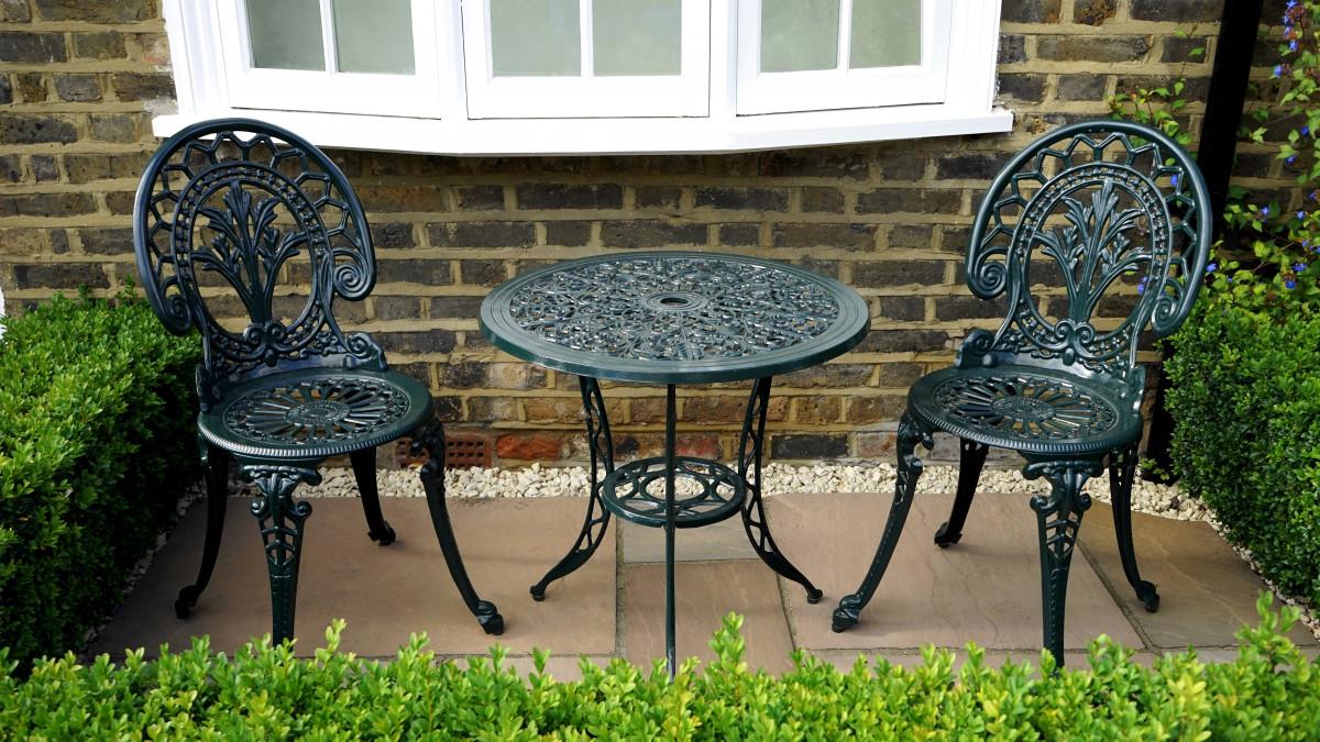 Fotos gratis : mesa, césped, al aire libre, cerca, viñedo, blanco ...