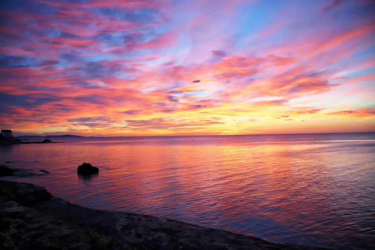 Картинка с рассветом на море