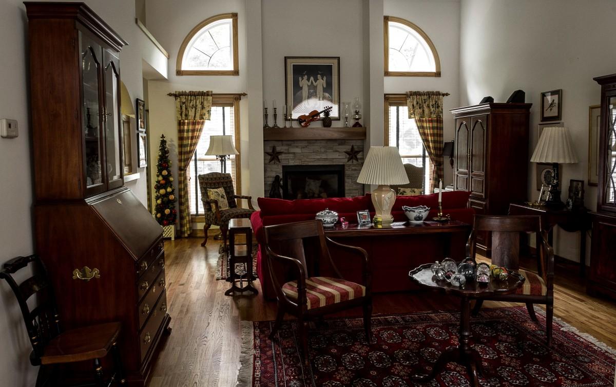 Bildet hjem hytte eiendom stue m bler rom for Great home interiors