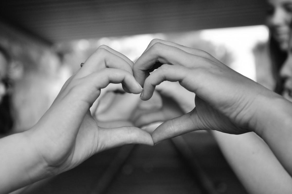 Родителям годовщину, картинки 2 руки любовь