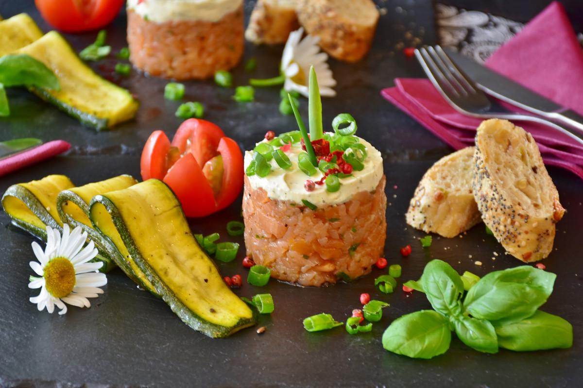 料理、食品、料理、食材、ビーガン栄養、農産物、飾り、ベジタリアン料理、主食、ラカルテ料理、レシピ、おかず、前菜、オードブル、野菜、キッズミール、カナペ、肉