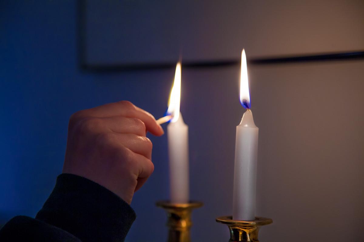 Gambar : cahaya, hitam dan putih, api, kegelapan, lilin ...