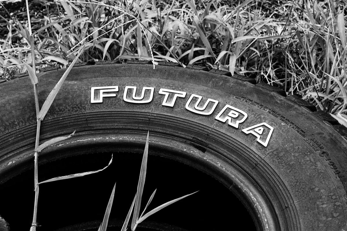 Images gratuites aile noir et blanc paris france for Garage pneu paris