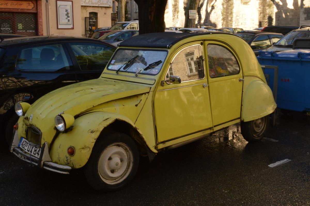 PONGA LO QUE USTED QUIERA - Página 18 Citro_n_2cv_car_yellow_avignon_france-988719