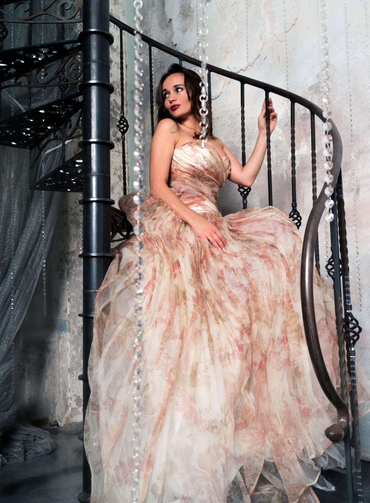 Фотодевушка модель для свадебных платьев работа онлайн венёв