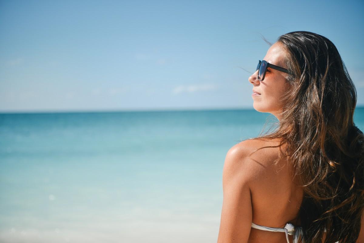 был пока брюнетка в очках и на пляже нашего развлекательного блога