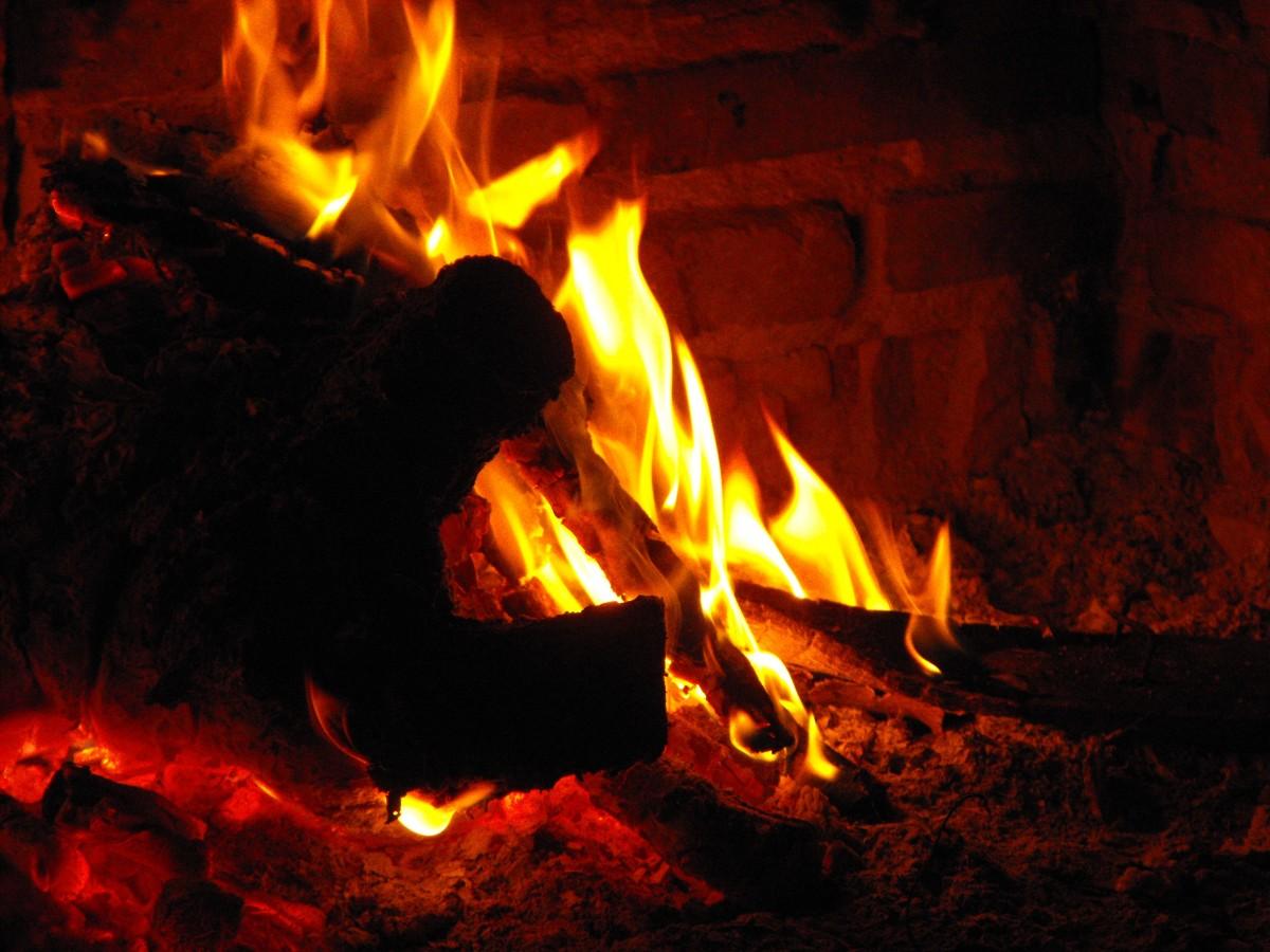 무료 이미지 : 집 밖의, 목재, 안마당, 캠프 불, 벽돌, 모닥불, 열 ...