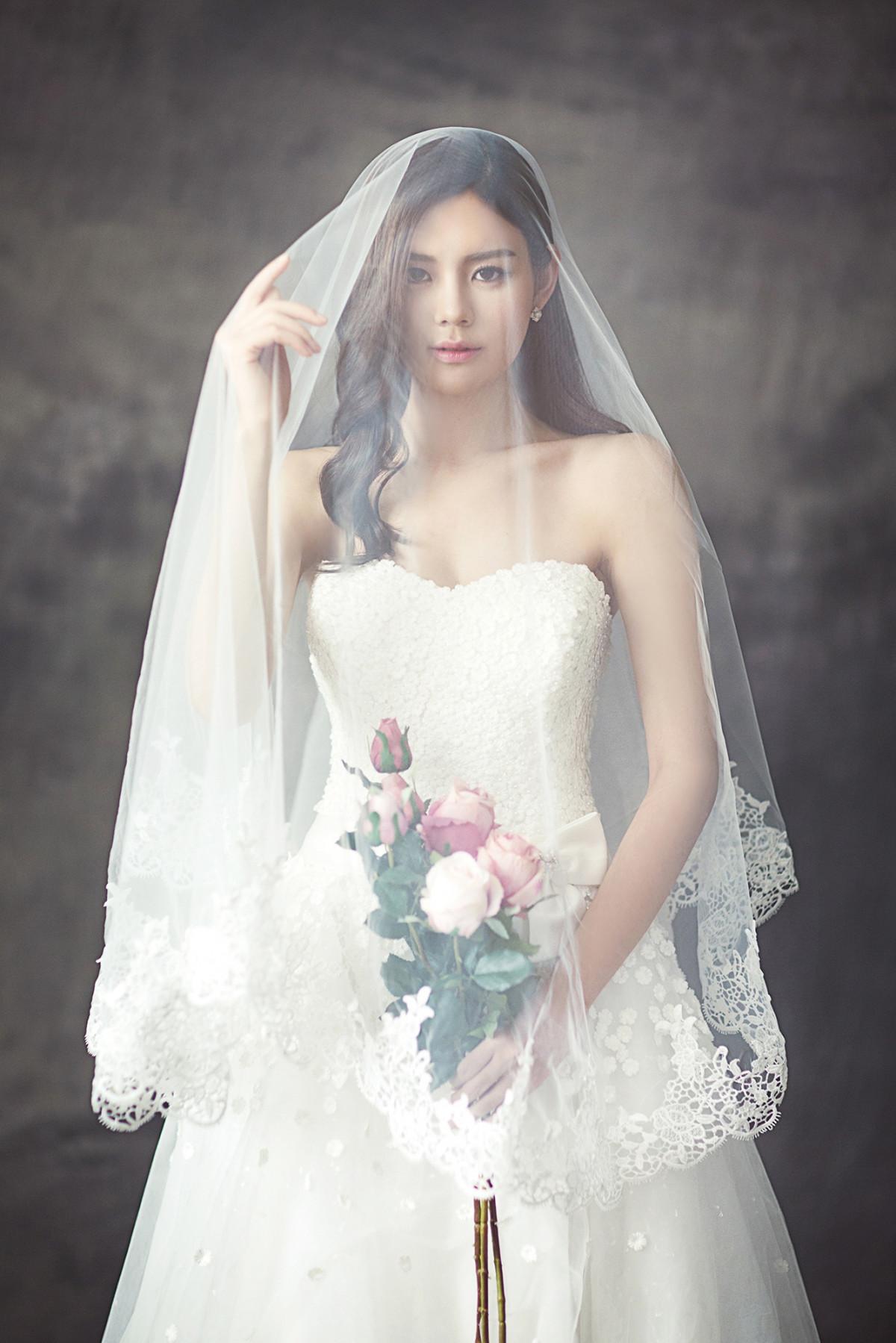 Free images flower wedding dress bride white dress for Wedding dresses for young brides