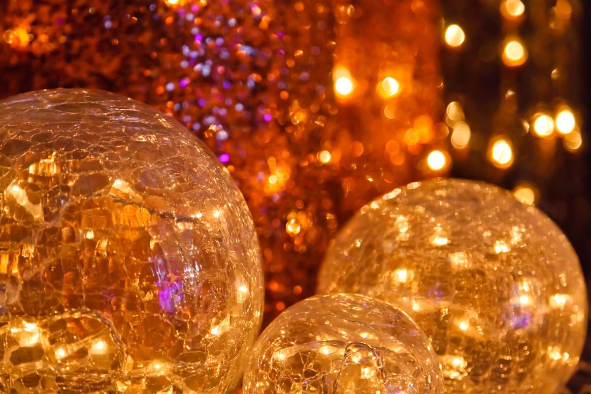 light warm round celebration decoration shine - Sphere Christmas Lights