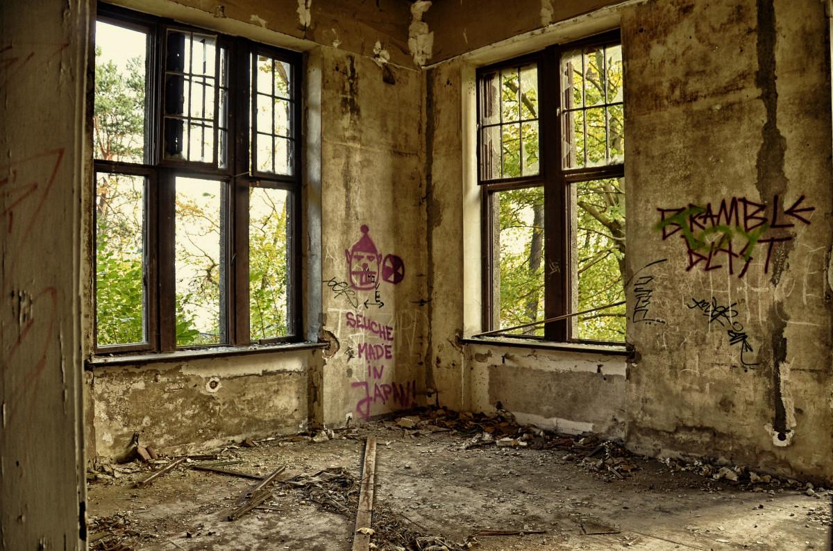 Images gratuites bois maison fen tre vieux porche surpeupl lierre abandonn porte - Graffiti zimmerwand ...