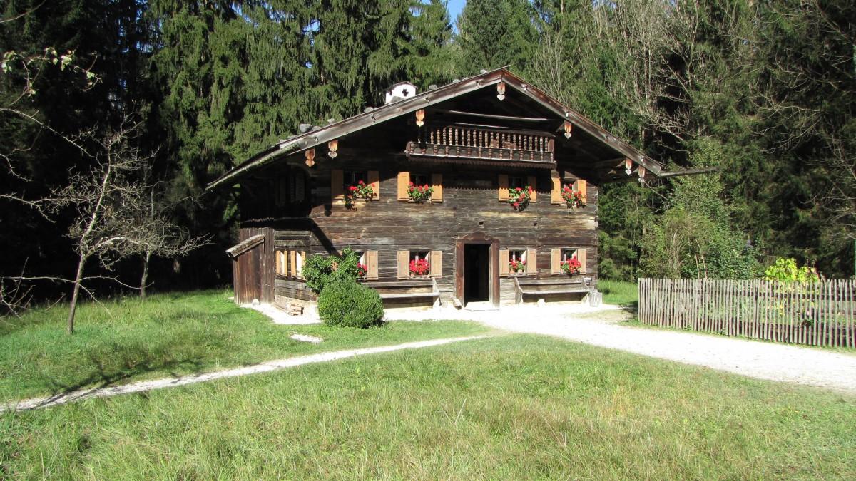 Images gratuites maison b timent vacances chalet for Extension maison zone rurale