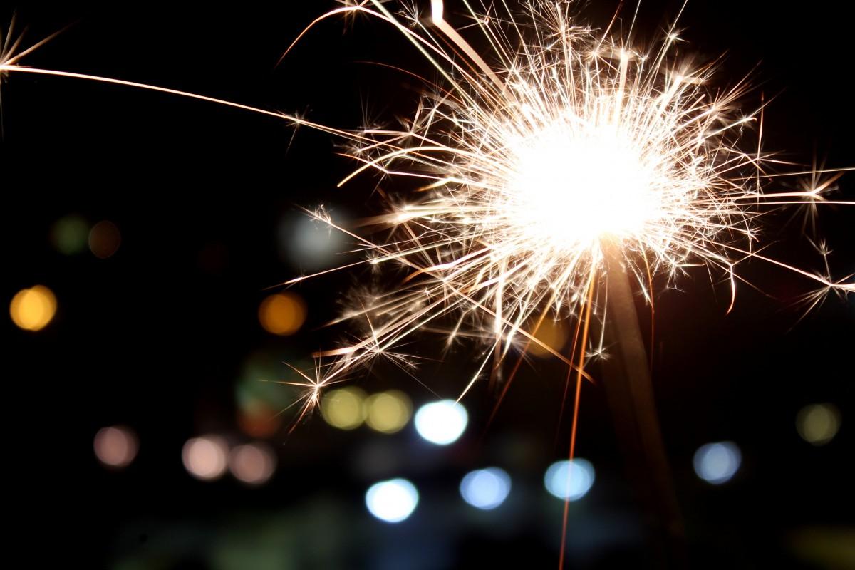 lett, natt, blomst, sparkler, Brann, jul, fyrverkeri, gnister, begivenhet, nyttårsaften, Stellina