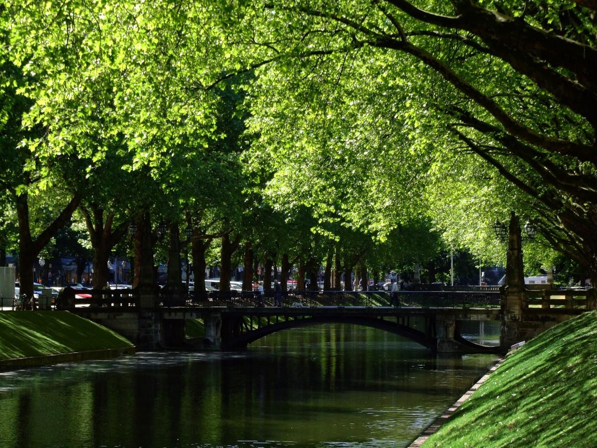 gratis billeder vand bro by by flod kanal gangbro efter r parkere handle ind have. Black Bedroom Furniture Sets. Home Design Ideas