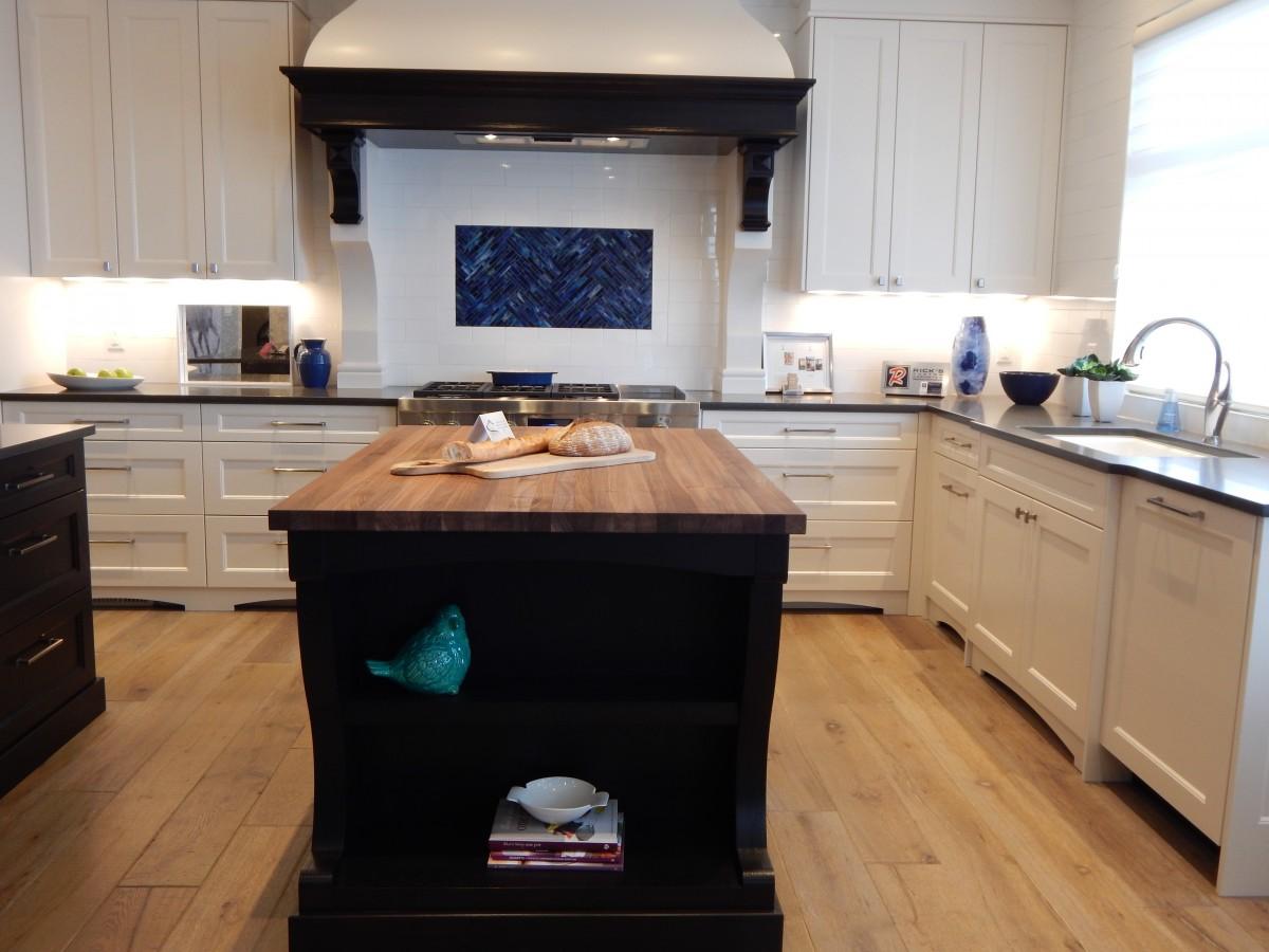 Rumah Lantai Pondok Dapur U Milik Perumahan Mebel R Modern Meja Kompor Desain Interior Kayu