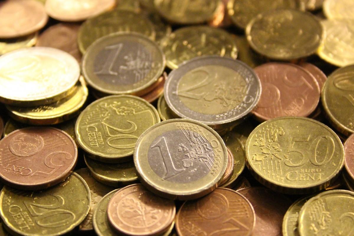 Dinero, puede ser útil o peligroso. Una Renta Básica ayuda a que la gente más pobre tenga algo.