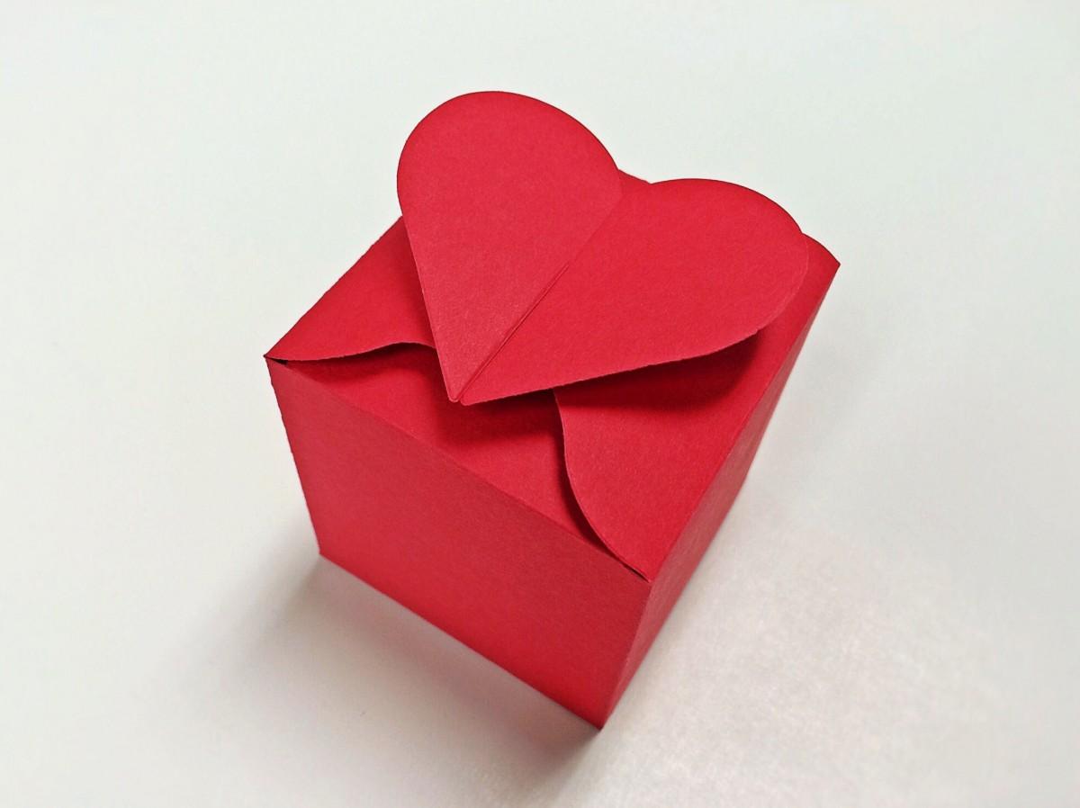 Подарок сердце из бумаги 812