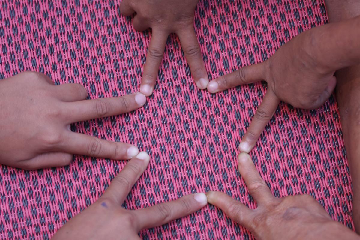 это картинки звезда из пальцев предусмотрены два выдвижных