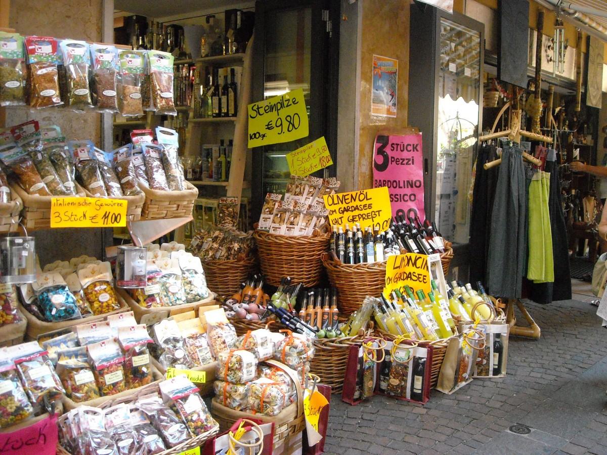 Laden mit  typischen Produkten in Limone