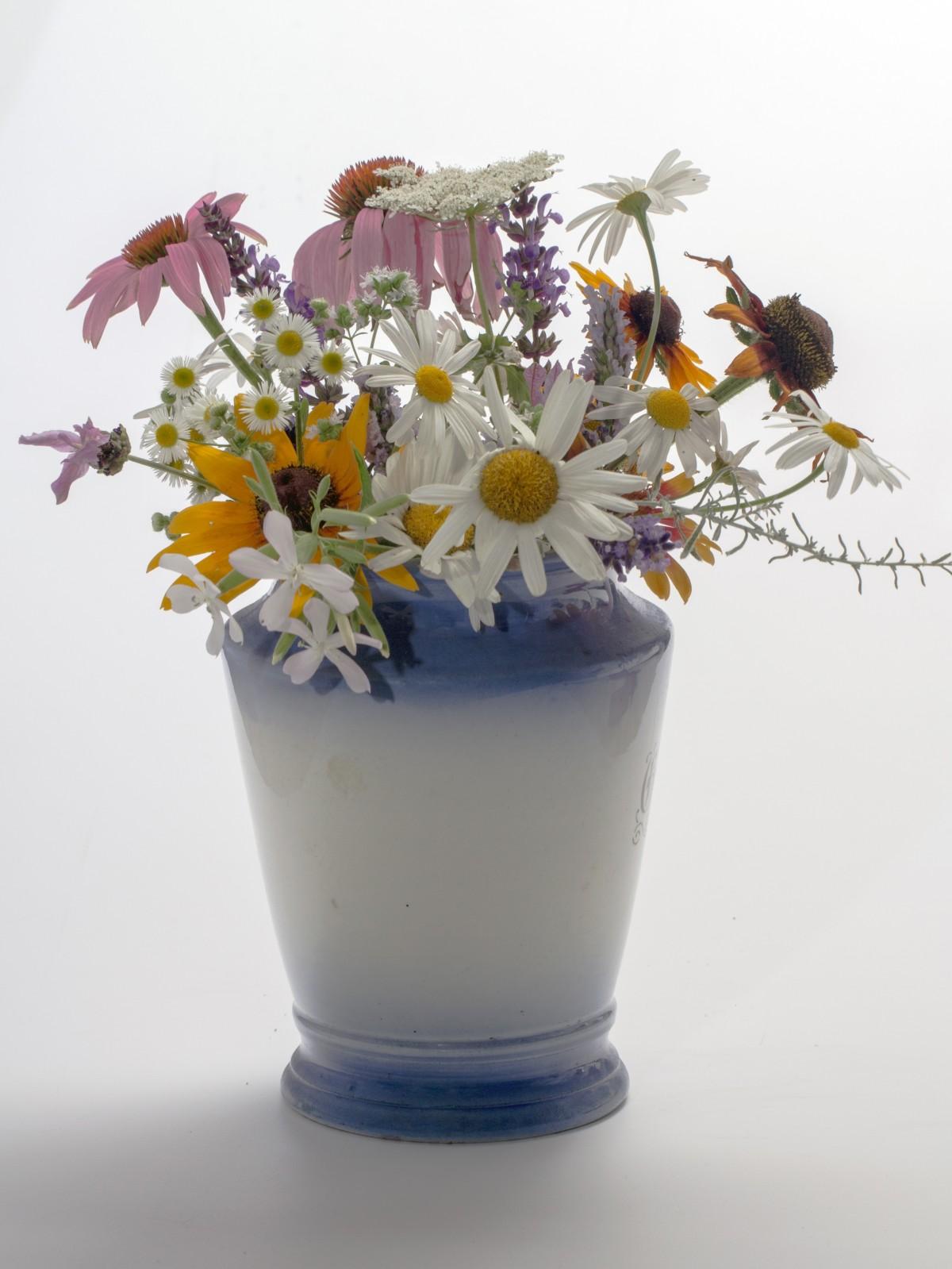 Free images plant balcony vase decoration lighting - Decorative flower vase ...