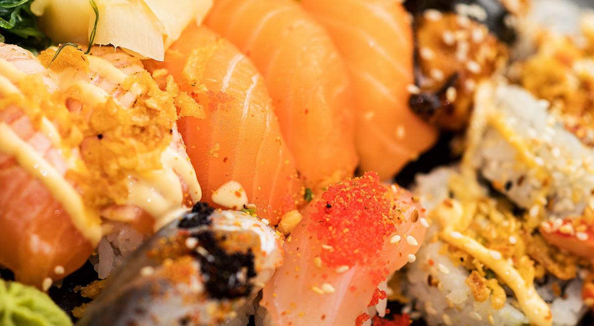 Images gratuites plat aliments recette japon sauce for Poisson japonais nourriture