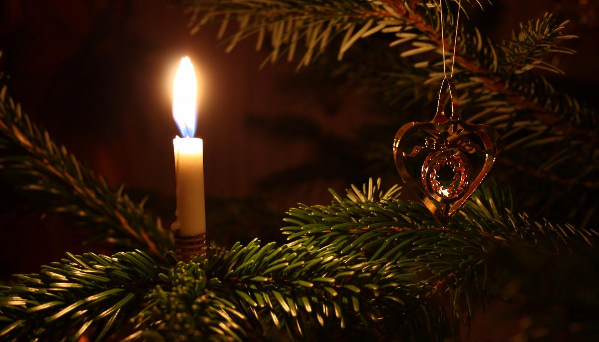 https://c.pxhere.com/photos/f7/d7/christmas_christmas_tree_christmas_decorations_christmas_lights-1284793.jpg!d