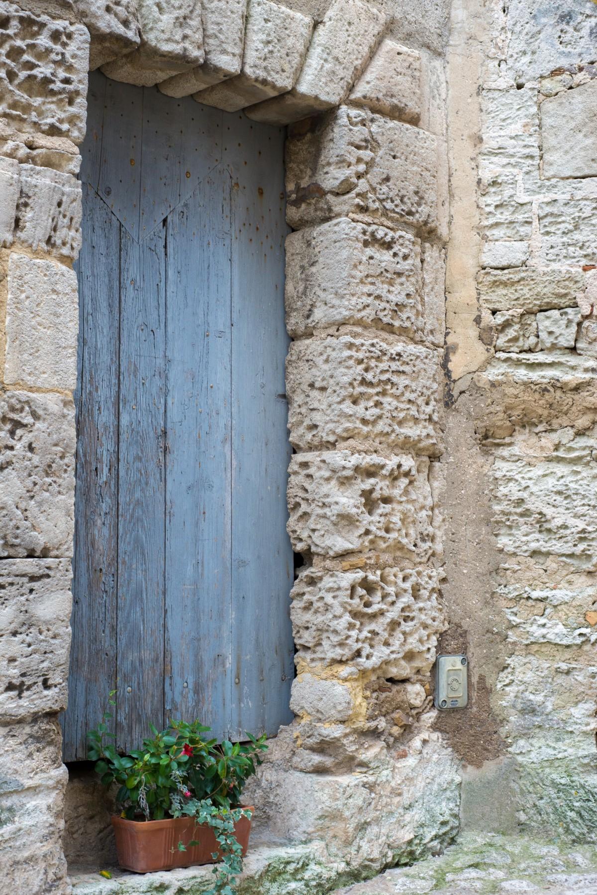 Images gratuites roche architecture structure bois for Porte d entree maison ancienne