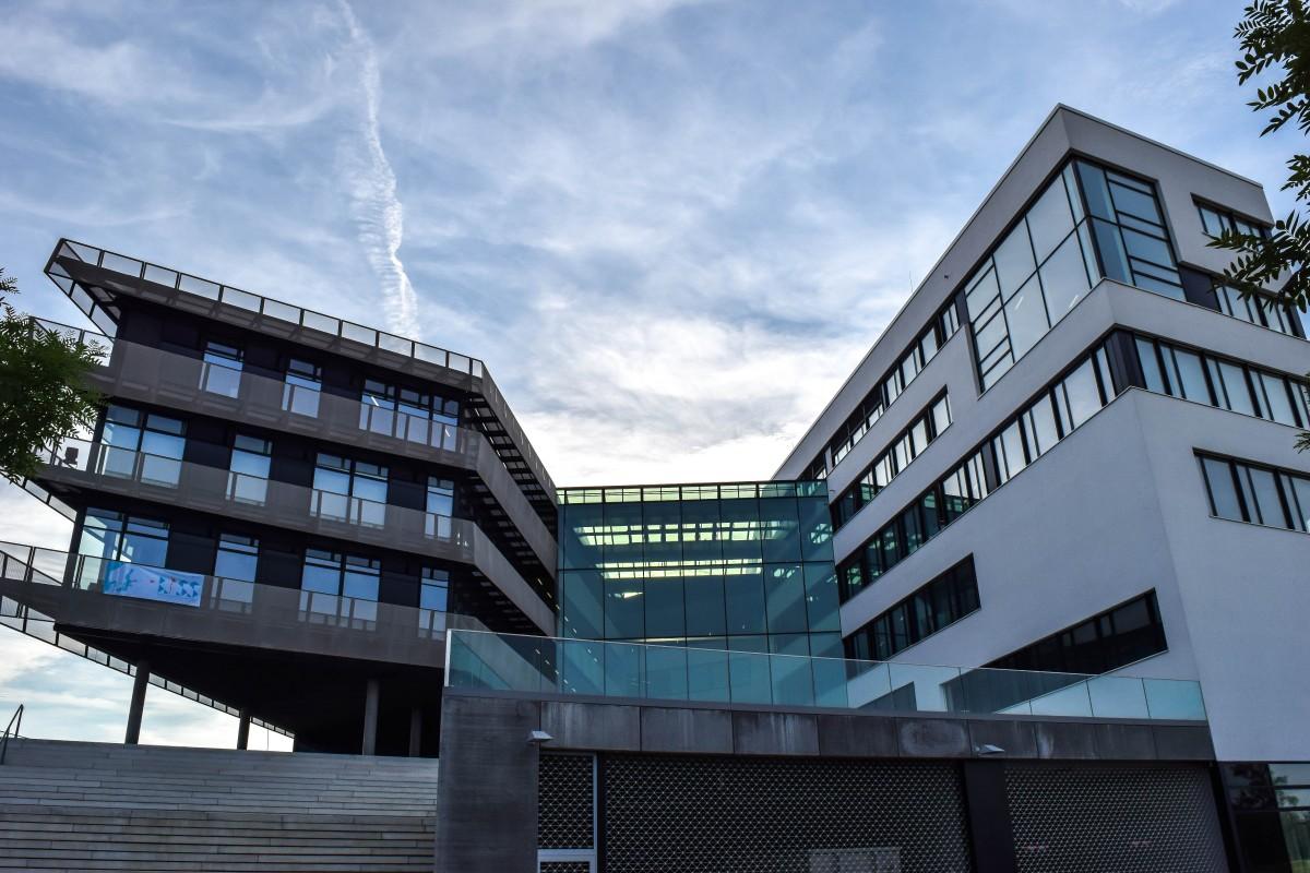 Images gratuites architecture centre ville r flexion for Design interieur universite