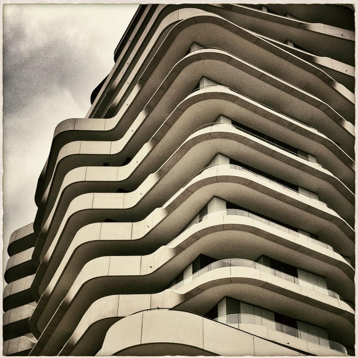Images gratuites nuage noir et blanc architecture for Architecture noir et blanc