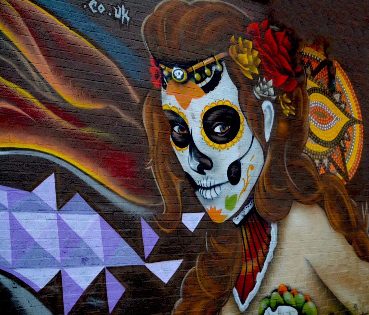 Graffiti wall painting - Creative Girl Woman Hair Street City