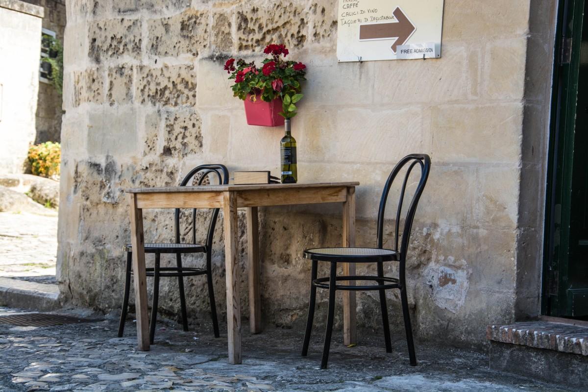 Banco de imagens madeira vinho estrada rua casa for Mobilia italia
