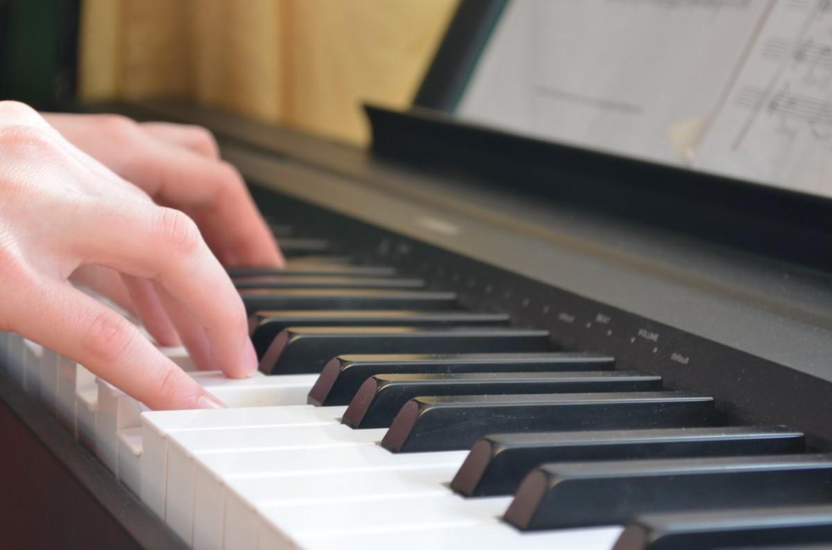Pianos numériques neufs, occasion ou en location clavier electrique